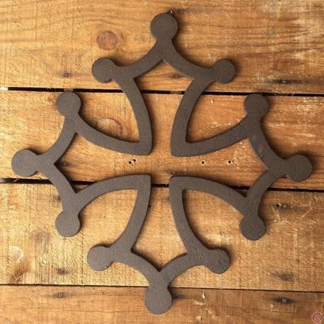Croix occitane en fonte 30 cm à suspendre