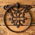 Porte serviette en fonte décoré d'une croix occitane