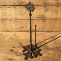 Dérouleur de papier cuisine en fonte  décoré d'une croix occitane