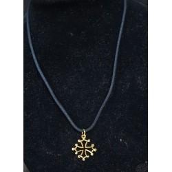 collier et pendentif croix occitane évidée dorée