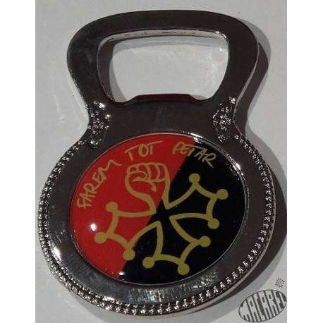 magnet décapsuleur croix occitane poing levé