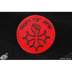 écusson à coudre ou à coller croix occitane poing levé