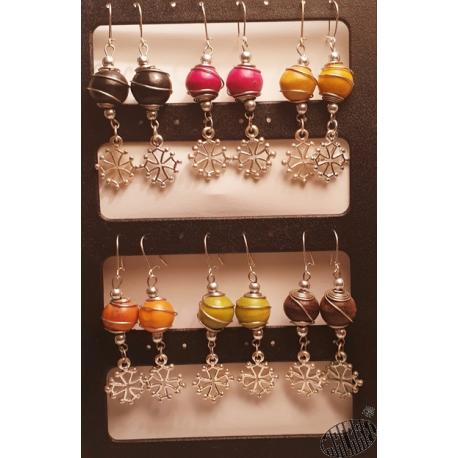Boucles d'oreilles croix occitane perle bois