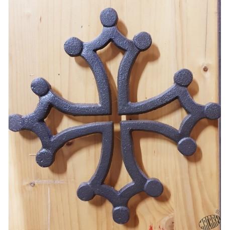 Dessous-de-plat fonte croix occitane ajourée marron vieilli